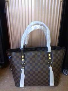 LV Neverfull Style with Zipper