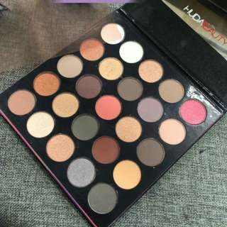Huda beauty eyshadow palette  Summer series