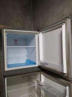 Second hand refrigerator