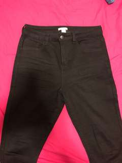 High-waisted Black Skinny Jeans