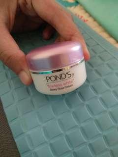 Pond's Whitening Dewy Rose Cream 10gr