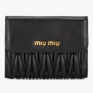 Miu Miu 全新 現貨 黑色羊皮銀包 正貨 (只得一個)