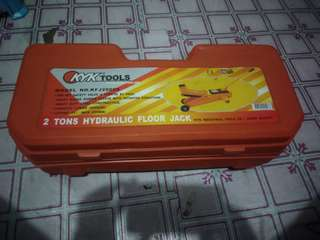 2tons Hydraulic floor jack (KYK TOOLS)