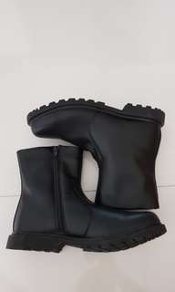 Black boots / safety boots US size 9