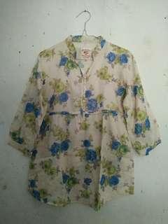 Baju motif bunga