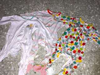 MOTHERCARE SLEEPSUIT 9-12 months