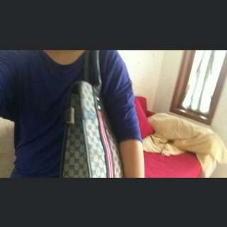 TAS GUCCI AUTHENTIC ORI