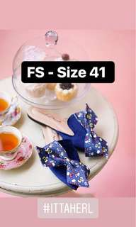 Ittaherl x Sanrio Hello Kitty Big Bow Navy Size 41