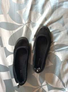 Black Close Shoes