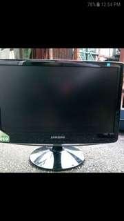 Samsung Flat Screen Computer Monitor