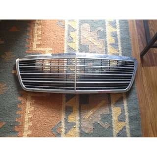 Front Grill Mercedes Benz E Class E200 W210 Genuine 210 880 05 83