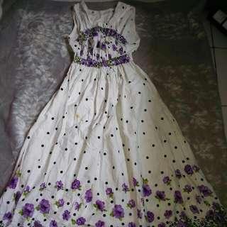 dress bunga unggu