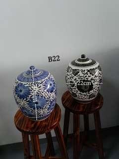 Peranakan Ceramic Bottle Decor