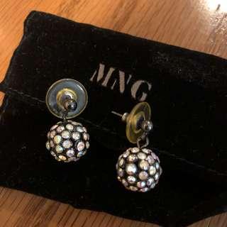 Mango diamond earring