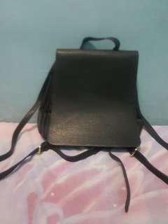 Backpack Wanita Hitam