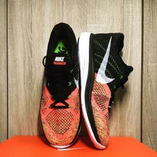 Nike flyknit  shoes US11