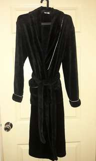 [50% OFF] F&F | Black Seal Skin Dressing Robe with White Piping