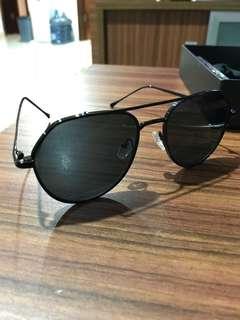 Kacamata hitam/sunglasses aviator