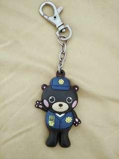 黑熊刑警吊飾