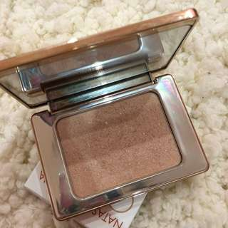 Natasha Denona All Over Glow Highlighter
