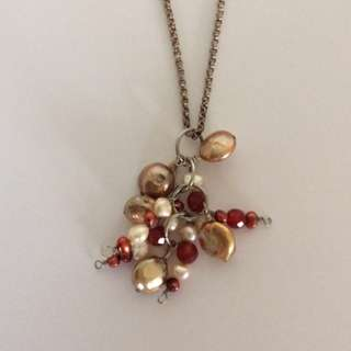 Necklace / pendant with multicolored pearls