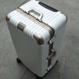運動款 鋁框行李箱! 超大容量!(時尚雙色)