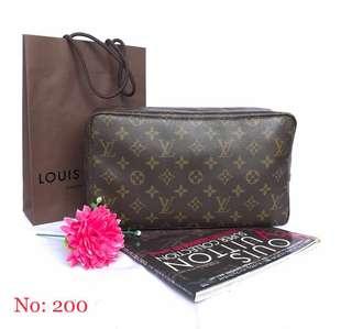 Authentic Louis Vuitton Toiletries 28/Makeup Bag