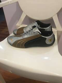 Authentic!! Puma Ferrari sneakers