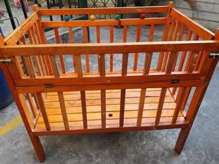 Preloved Wooden Crib P950 na lang (negotiable pa)