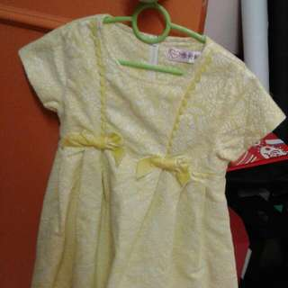 Yellow lace dress 3 years old