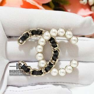 Black Leather Gold Pearl Brooch Pin