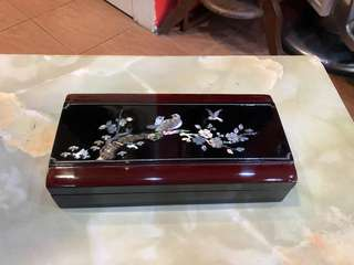 Mother of pearl inlaid lacquer box