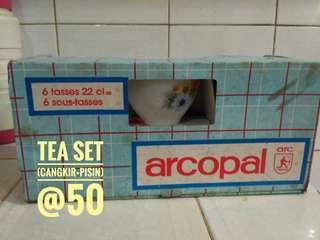 Tea set + jug