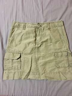 Gap mini skirt