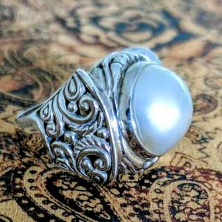 Large Mabe Pearl Ring, Size 7 3/4 US, Sterling Silver, Filigree