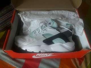 Nike Authentic Huarache Run Ultra