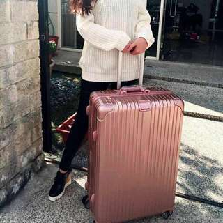 """29"""" 84L Rose Gold Luggage"""
