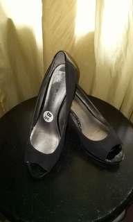 3 inches Elegant black shoes