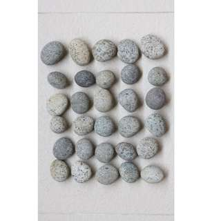 Garden pebbles ( 3 cm to 4 cm ) for landscaping or decoration