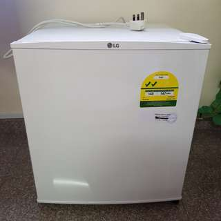 LG 43L Mini fridge
