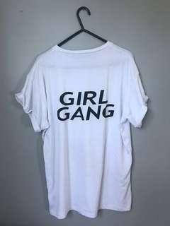 Girl hang tee