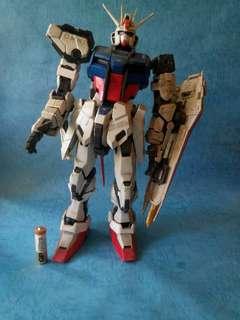 高達模型 1/60 pg strike gundam已砌。有缺件。
