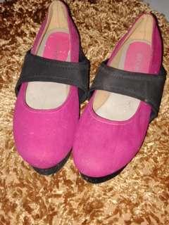 Sepatu fashion cantik