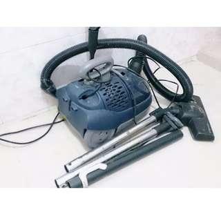 Electrolux 1400W 吸塵機