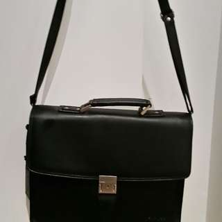 Like new FUTURA laptop briefcase side MAN BAG black leather work