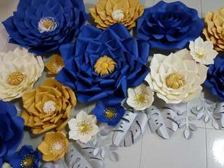 PAPER FLOWERS FOR BACKDROP