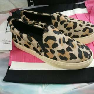 MANGO Leather Leopard Slipons