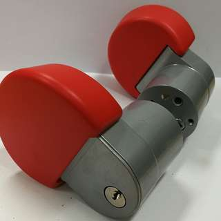NOS Entrance Handle lock (ALUM/RED)