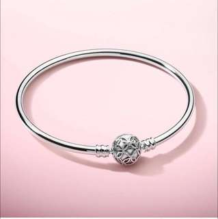 BN LE PANDORA THE PATTERNS OF LOVE BANGLE