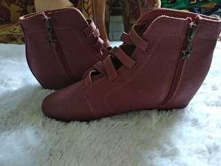 Sepatu boots BATA